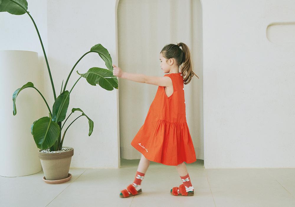 드레스 모델 착용 이미지-S3L4